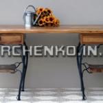 Изящный письменный стол с коваными элементами