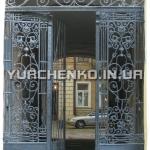 Кованые врата в одесский дворик