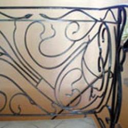 Кованый балкон - необходимый элемент интерьера, который никогда не обходится без декоративных элементов
