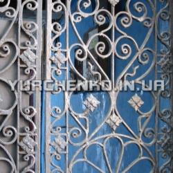 Каждое отверстие и каждый соединительный элемент ограды имеет под собой историю изготовления