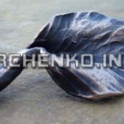 Бронза - один из самых древних и до сих пор актуальный металл для изготовления декоративных изделий