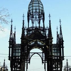 Церковные ворота в деревне Жевна (Szewna) на юге Польши