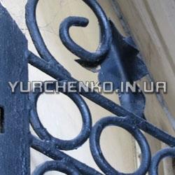 Классический кованый элемент входных ворот