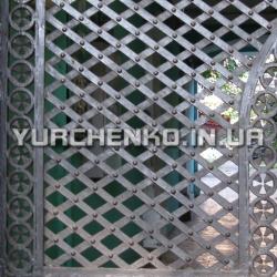 Современная решетка с элементами готического стиля