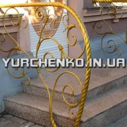 Скрученные, витые детали широко распространены в кованых оградах и решетках
